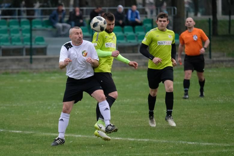 W sobotnim meczu klasy A Przemyśl, Bizon Medyka przegrał u siebie z Fenixem Leszno 0:2 (0:2). Zobaczcie zdjęcia!