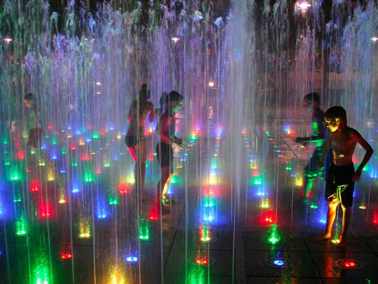 Miasto rozstrzygnęło przetarg na utrzymanie fontanny multimedialnej. Będzie ono kosztowało około 100 tys. zł mniej niż w ubiegłym roku.