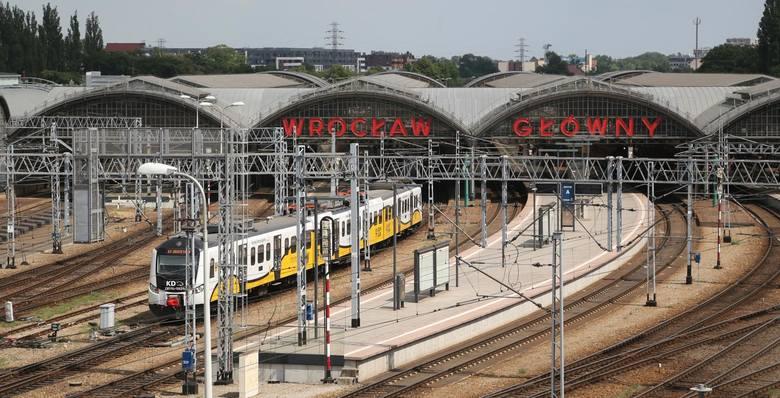 Niemal dwukrotnie wzrosła w ciągu ostatnich siedmiu lat liczba pasażerów pociągów na Dolnym Śląsku, a statystyczny mieszkaniec regionu podróżuje koleją