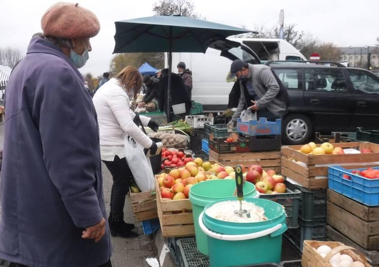 Sobotnie zakupy na targowisku Korej w Radomiu. Jaki były ceny owoców i warzyw? - zobacz zdjęcia