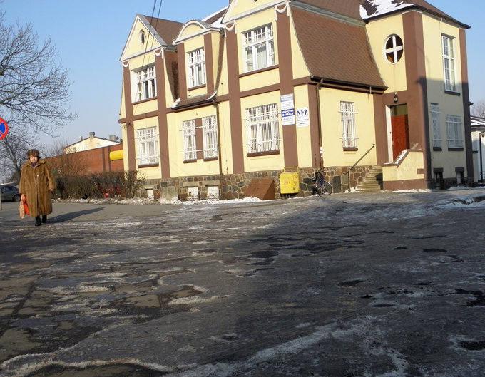 Wiosna bezlitośnie obnaża dziurawe ulice