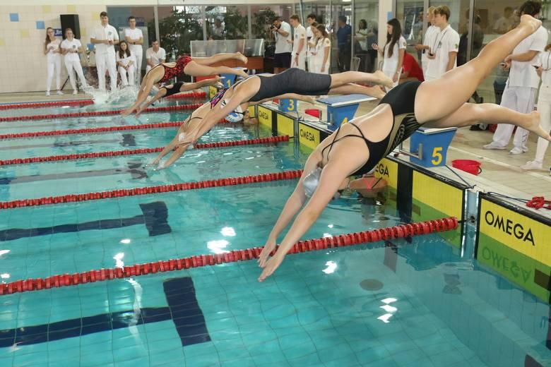 W sobotę w Kielcach rozpoczęły się dwudniowe Ogólnopolskie Zawody Pływackie o Puchar MOSiR. Odbywają się na pływalni Orka przy ulicy Kujawskiej. Rywalizuje
