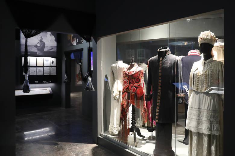 """Zdjęcia ekspozycji """"Wajda"""" w Muzeum Narodowym w Krakowie"""