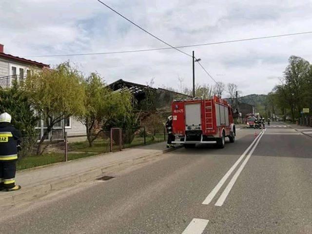 Z powodu silnego wiatru strażacy z regionu mieli pełne ręce roboty. W Baligrodzie zawaliła się ściana niezamieszkałego budynku, z kolei w Średniej Wsi