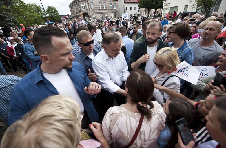 Prezydent Andrzej Duda spotkał się w środę z mieszkańcami Drawska Pomorskiego.
