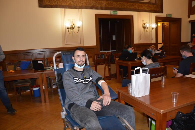 Skawina. Skawińscy krwiodawcy znowu nie zawiedli. Mimo pandemii, chcą pomóc czekającym na ten drogocenny płyn