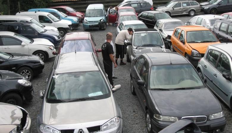 Te auta psują się najczęściej! Zobacz, jakich używanych samochodów nie warto kupować [Raport TUV 2019]