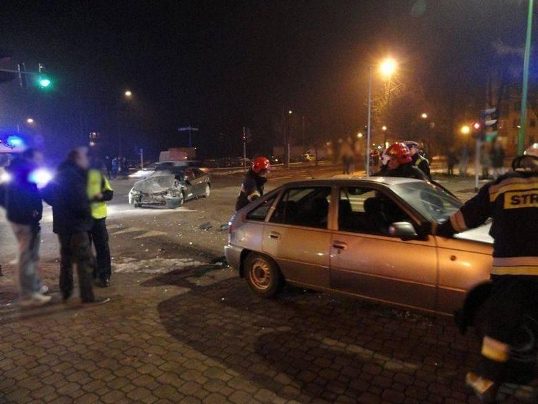 Wypadek na skrzyżowaniu Barskiej i Paderewskiego [ZDJĘCIA]