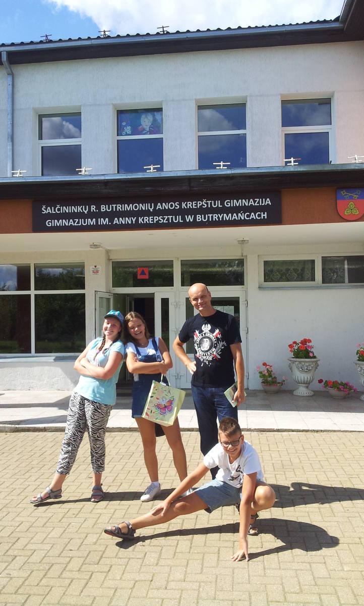 Mariusz Bojanowski podczas wizyty w zaprzyjaźnionej szkole na Wileńszczyźnie.