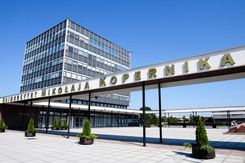 Uniwersytet Mikołaja Kopernika w Toruniu rozpoczyna rejestrację elektroniczną kandydatów 7 czerwca 2021. Potrwa ona do 8 lipca 2021.