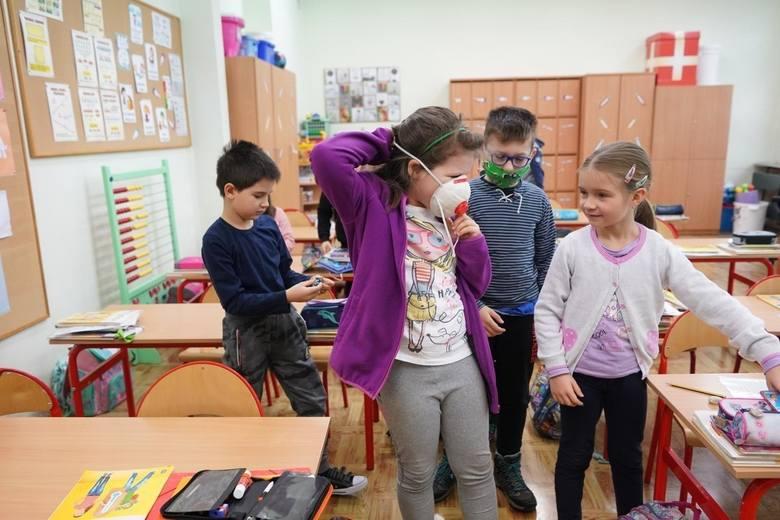 Uczniowie nieszybko wrócą do szkół. Minister Niedzielski ogłosił decyzję