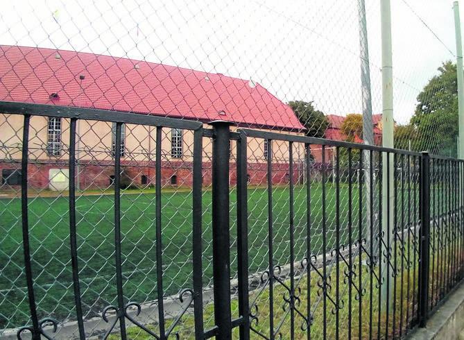Kto ma klucz do boisk w Oliwie? Obiekty sportowe za publiczne pieniądze są niedostępne dla mieszkańców