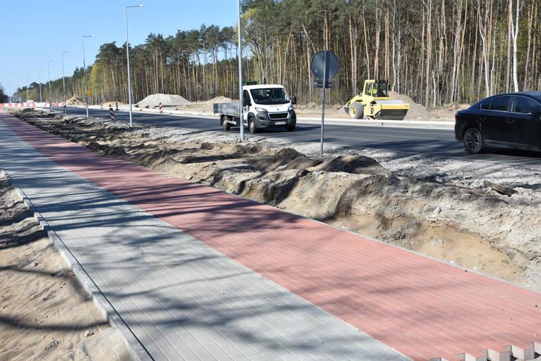 Trwa budowa ronda turbinowego w Białych Błotach, które znacznie poprawi ć ma bezpieczeństwo na ruchliwej drodze wojewódzkiej Bydgoszcz - Białe Błota.
