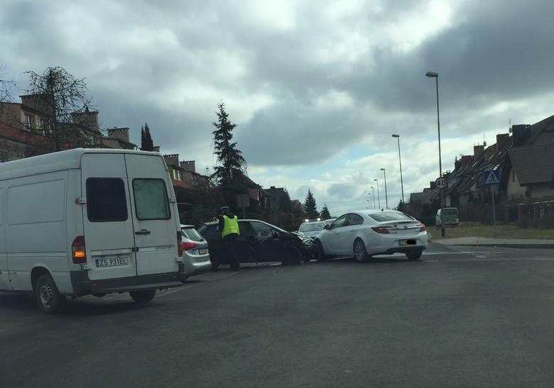 Zdjęcie z miejsca wypadku wysłał nam internauta na alarm@gs24.pl
