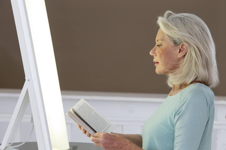 Zadbaj o regularną ekspozycję oczu na jasne światło, najlepiej dzienne – koniecznie z samego rana. Wystarczy 10-15 minut dziennie. Przy braku takiej