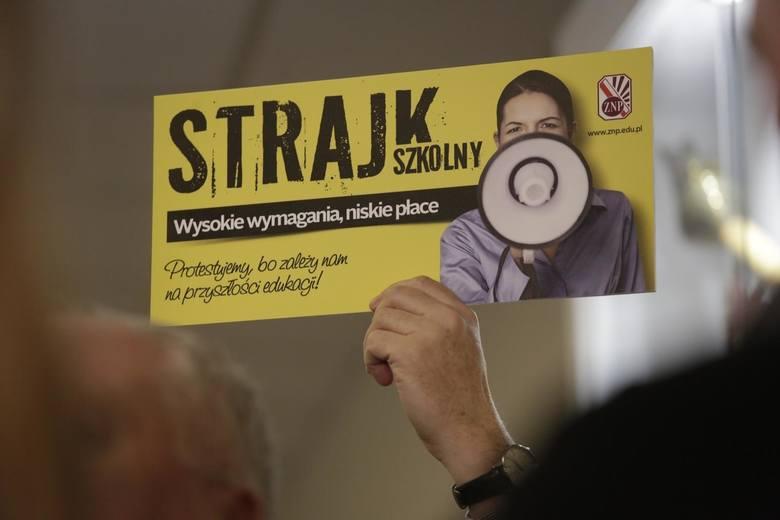 Strajk nauczycieli 2019 w szkołach i przedszkolach. Do kiedy potrwa strajk oświaty? Tylko Solidarność przyjęła propozycje rządu [8.04.2019]