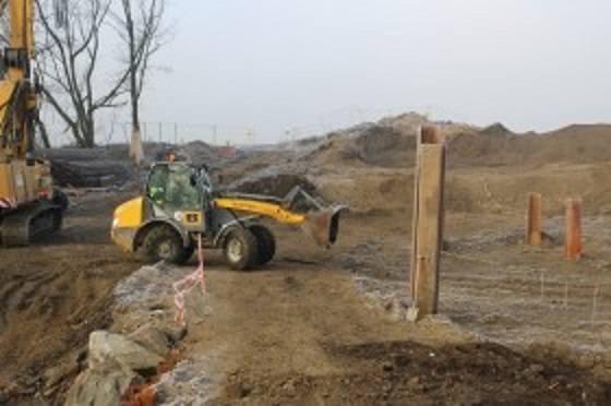 Po starym moście nad Sołą w Łękach na drodze 949 nie ma już śladu. Trwa budowa nowej przeprawy [ZDJĘCIA]