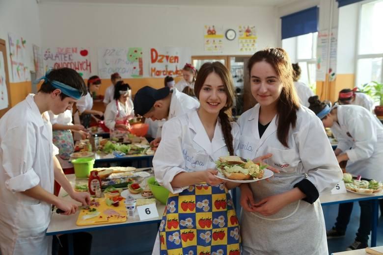 Projekt Bezpieczni w szkole 2. Turniej kulinarny MasterChef (zdjęcia)
