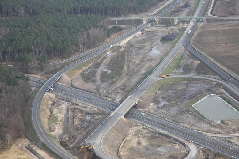 Jak przebiegają prace przy budowie drogi S6 w zachodniej części województwa zachodniopomorskiego? Zobaczcie zdjęcia z prac prowadzonych na odcinku Goleniów