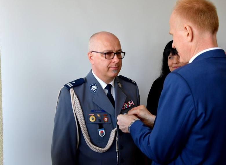 Podinspektor Wojciech Chociej  został uhonorowany państwowym odznaczeniem (zdjęcia)