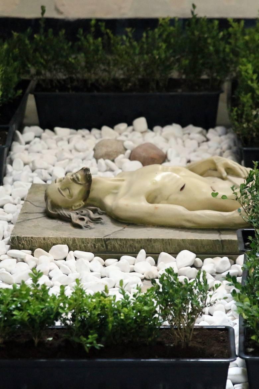 Groby Pańskie w lubelskich kościołach. Za zamkniętymi drzwiami i bez wiernych. Zobacz zdjęcia