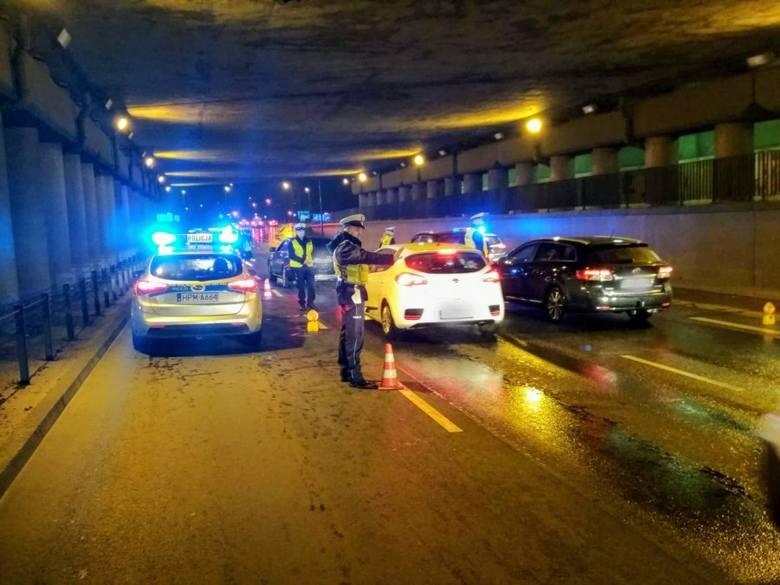 """Na terenie całego województwa podlascy policjanci prowadzili działania """"Trzeźwy czwartek"""". Spośród 6157 skontrolowanych kierowców, aż 21 prowadziło"""