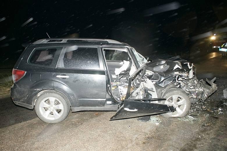 Groźny wypadek. Kierowca był oślepiony światłami [FOTO]