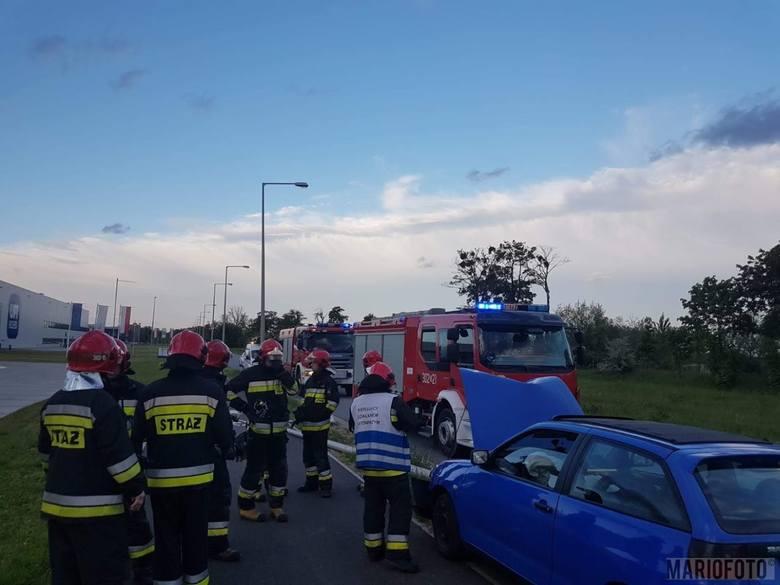 Do zdarzenia doszło na ul. Północnej w Opolu o godz. 19.20. Kierujący seatem stracił panowanie nad autem i swoją jazdę zakończył na latarni. Pogotowie