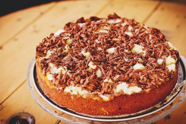 Przepis na ciasto z rabarbarem. Szybkie w przygotowaniu i pyszne w smaku