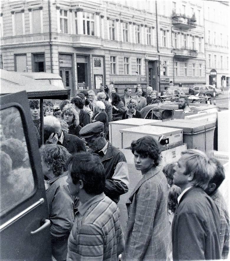 Wrzesień 1990 r., właśnie rzucili lodówki na uliczną sprzedaż na deptaku al. Wojska Polskiego