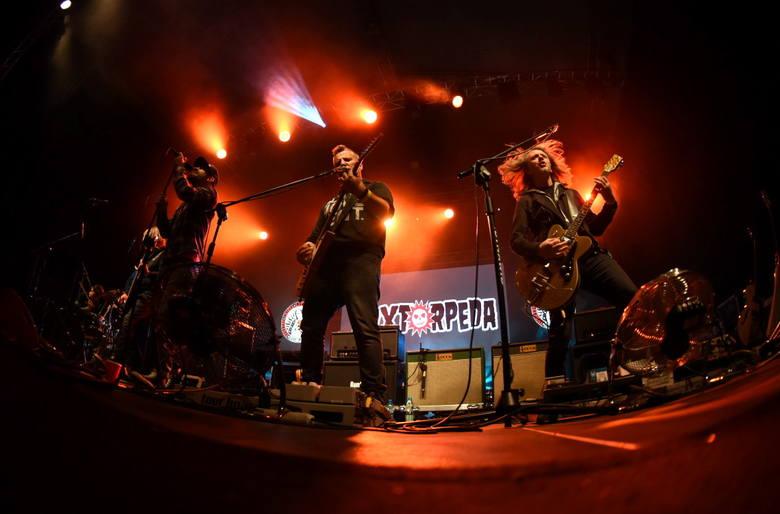 We wtorek (10 września) na scenie winobraniowej przy ul. Kasprowicza zagrała rockowa grupa Luxtorpeda z Robertem Friedrichem (Litza) na czele. Szybka