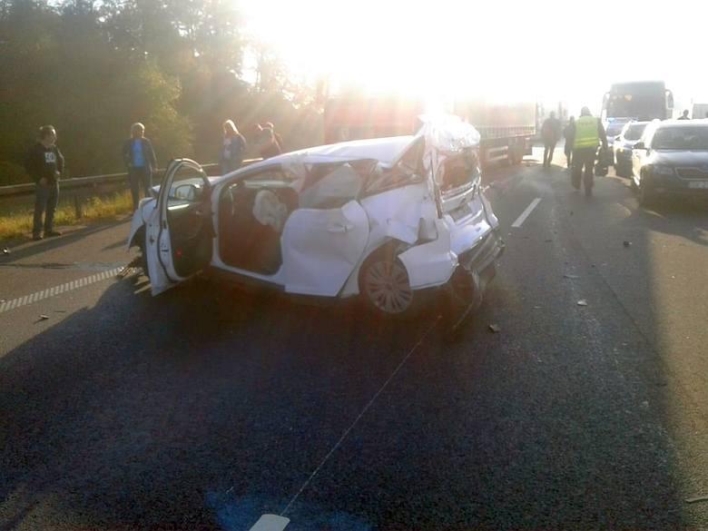 Wypadek czterech aut na A4 pod Wrocławiem. Trzy osoby ranne [ZDJĘCIA]