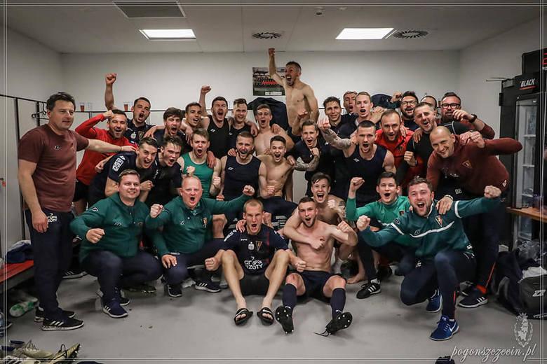 14 razy w tym sezonie piłkarze Pogoni Szczecin wygrywali w ekstraklasie. Po każdym zwycięstwie szatnia tańczyła z radości i nie mogło zabraknąć pamiątkowych