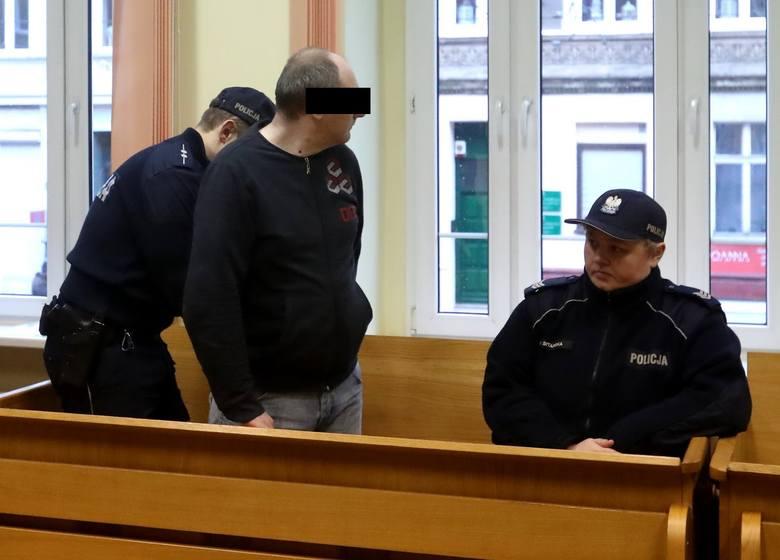 Szczecin: Sąd wnikliwie bada, co zdarzyło się na melinie przy ulicy Santockiej