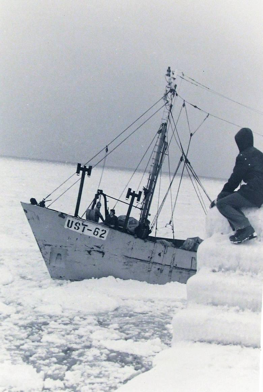 Oblodzone wejście do portu w Ustce – styczeń 1979.