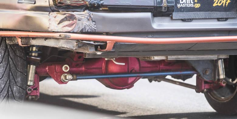 Samochodowe ściganie na Motoarenie