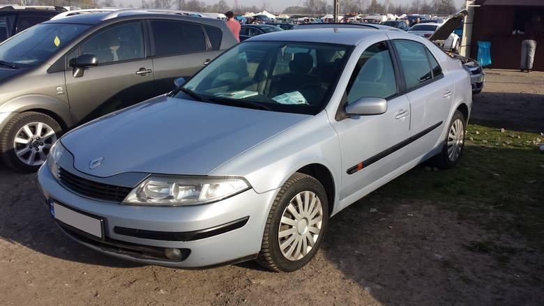 11. Renault Laguna. Silnik 1,9 diesel, rok produkcji 2002, cena 14800 zł.