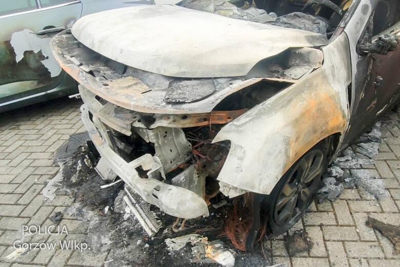 Pożar auta w gorzowie, policjanci złapali sprawcę