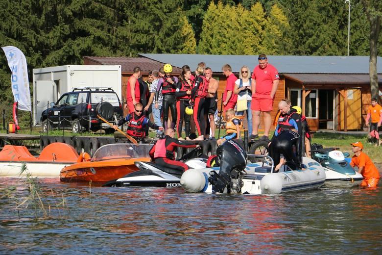 Ratownicy lipnowskiego Wodnego Ochotniczego Pogotowia Ratunkowego zakończyli sezon. Na jeziorze Wielkim, z zaprzyjaźnionymi wodnymi jednostkami, przeprowadzili