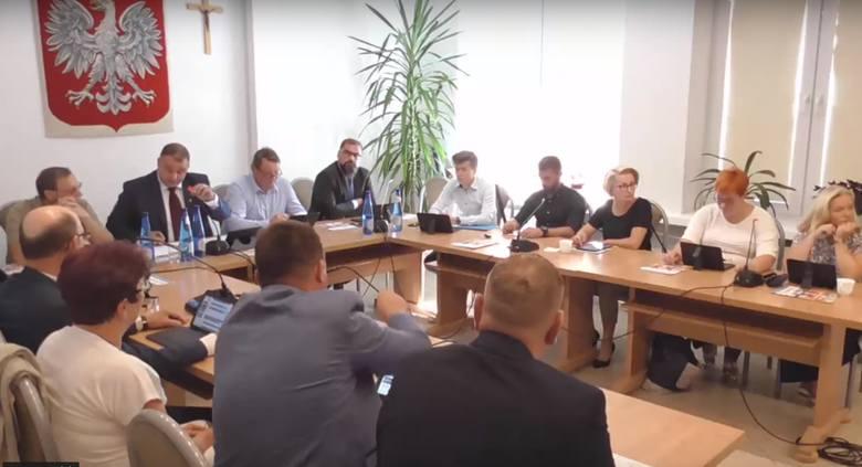 Różan. Gmina Różan rezygnuje z członkostwa w Związku Gmin Ziemi Makowskiej. 6.09.2019 radni podjęli uchwałę.
