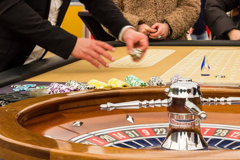 Kasyna jednak będą zamknięte!Zapis umożliwiający działalność kasyn w dniach 28 grudnia - 17 stycznia, jaki znalazł się w rozporządzeniu, wywołał duże
