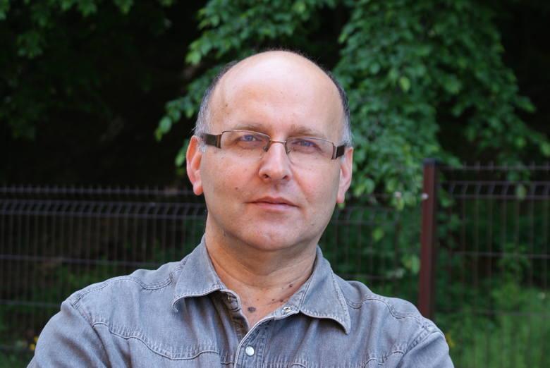 Bogdana Maleszę znają chyba wszyscy w mieście. Jest dźwiękowcem, który gra na fortepianie, organach, akordeonie, klarnecie, saksofonie, werblu, a nawet