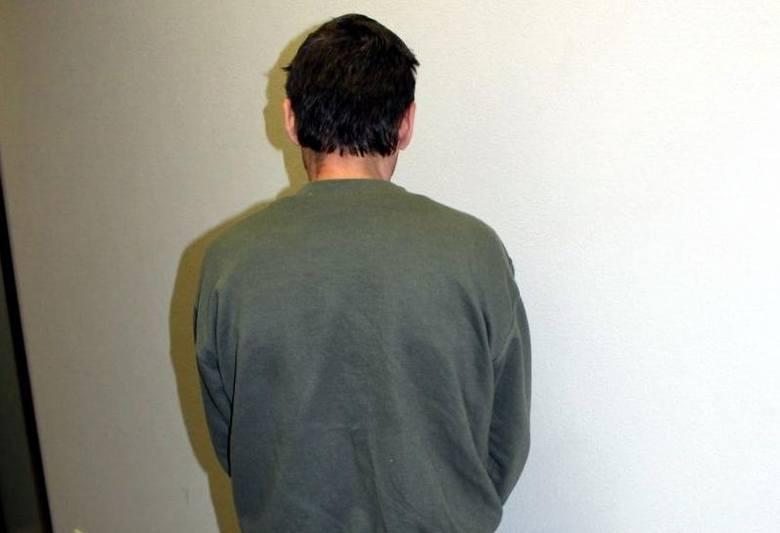Zakopane. Policja zlikwidowała rozlewnię fałszywego alkoholu. Śliwowica łącka to był skażony spirytus (zdjęcia, wideo)