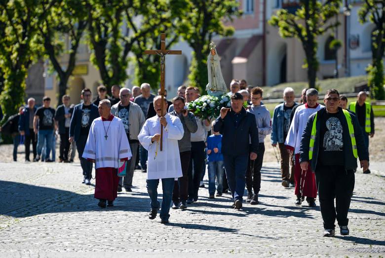 W sobotę w Przemyślu odbył się Męski Różaniec. - Chcieliśmy wynagradzać Niepokalanemu Sercu Matki Bożej bluźnierstwa tych, którzy starają się otwarcie