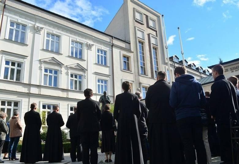 Tragedia w Wyższym Seminarium Duchownym w Łomży. Nie żyje kleryk pierwszego roku [AKTUALIZACJA] [20.05.2019]