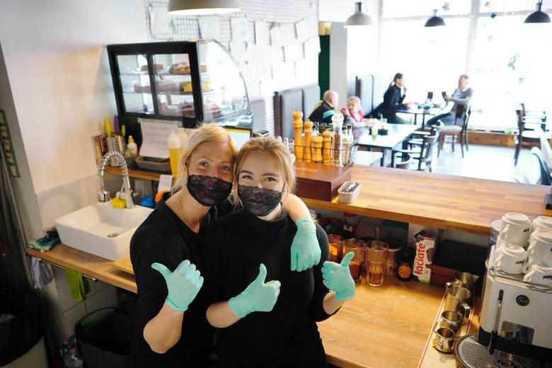 Kawiarnie i restauracje w Polsce mogą zostać już wkrótce ponownie otwarte! Na razie na świeżym powietrzu - ustalili dziennikarze RMF FM.