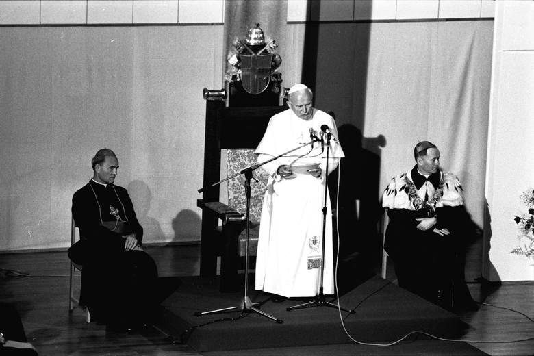 9 czerwca 1987 roku, Jan Paweł II na KUL.