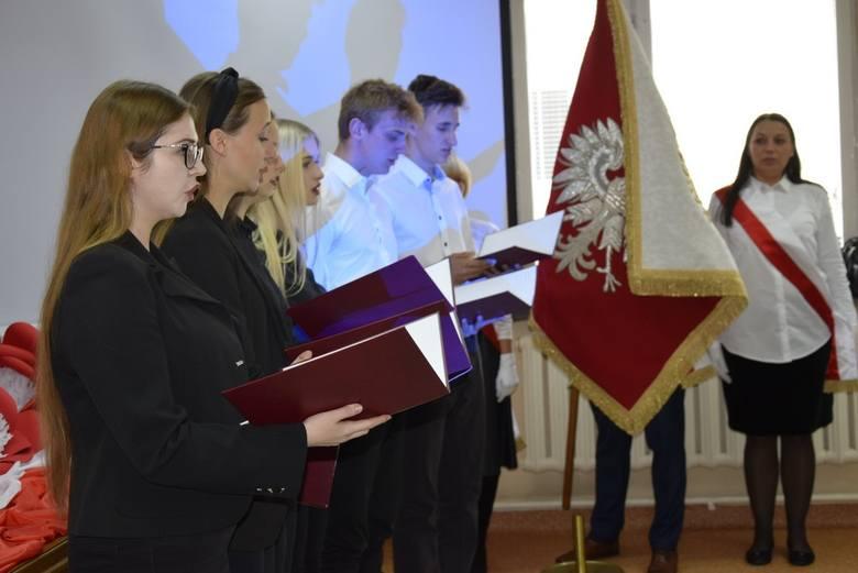 Skierniewicki oddział Związku Nauczycielstwa Polskiego zorganizował uroczyste obchody 80-lecia Tajnej Organizacji Nauczycielskiej w Skierniewicach. W uroczystości wzięli udział nauczyciele i samorządowcy ze Skierniewic i powiatu skierniewickiego, a także młodzież szkolna.