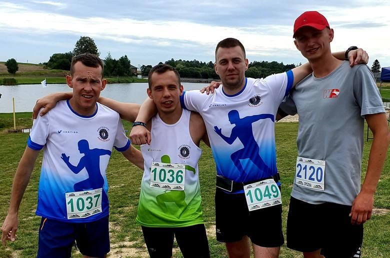 Prawie sto osób wystartowało w biegu Cross Run, który odbył się w Baćkowicach w powiecie opatowskim. -Rywalizacja była bardzo ciekawa, frekwencja też