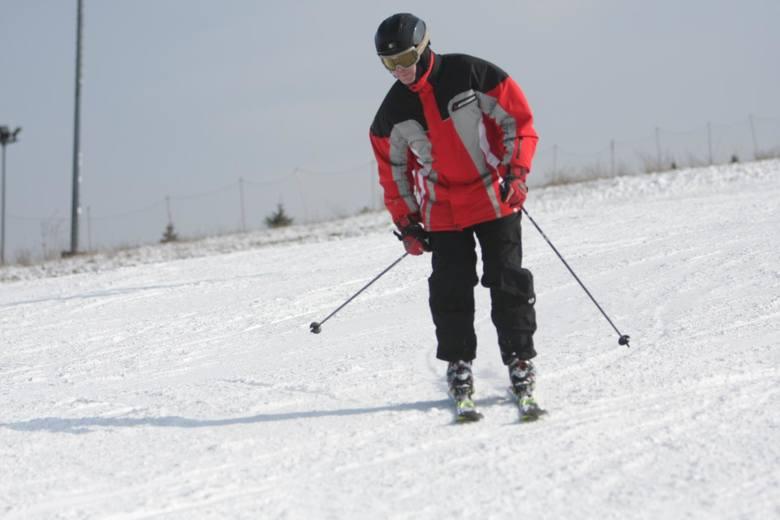 godziny otwarcia: 10 - 18warstwa śniegu: 50 - 80 cmwarunki: bardzo dobreMróz odpuścił, więc stacje narciarskie m.in. w Dylągówce i Handzlówce nie działają.